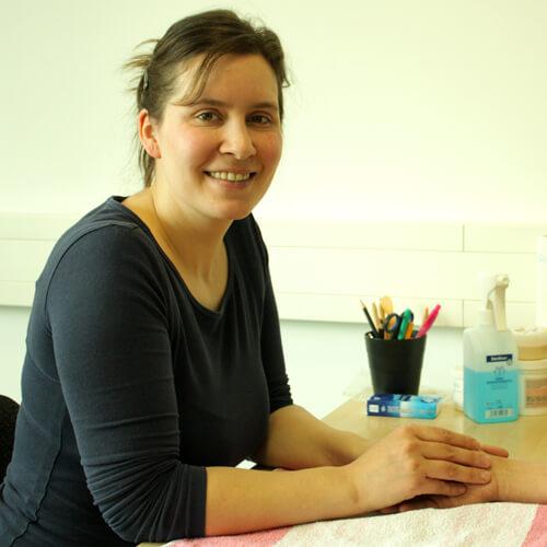 Ergotherapeutin Claudia Schirmer