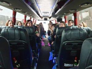 """Das Team der Ergotherapie Meyer auf dem Weg zur """"therapie"""" 2019 im Reisebus"""