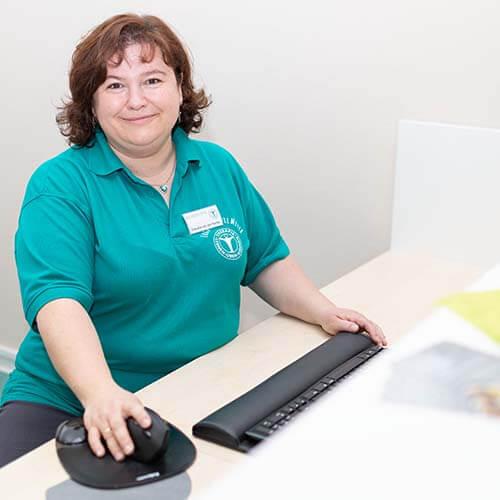 Mitarbeiterin Claudia van der Kamp